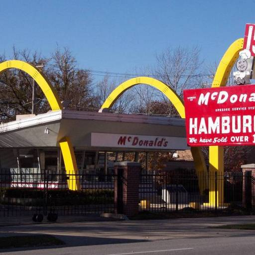Faleceu Richard McDonald, criador da rede de restaurantes McDonald's