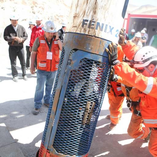 Resgate de 33 mineiros soterrados na mina San José, no Chile