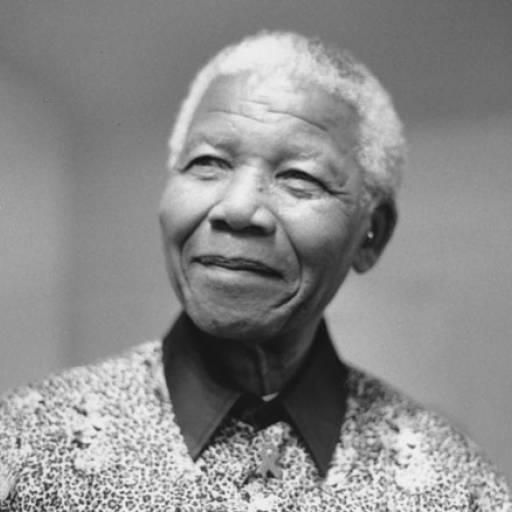 Nasceu o humanista Nelson Mandela
