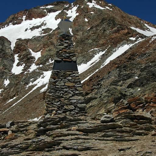Foi descoberto nos Alpes Austríacos um corpo conservado no gelo durante cinco mil anos