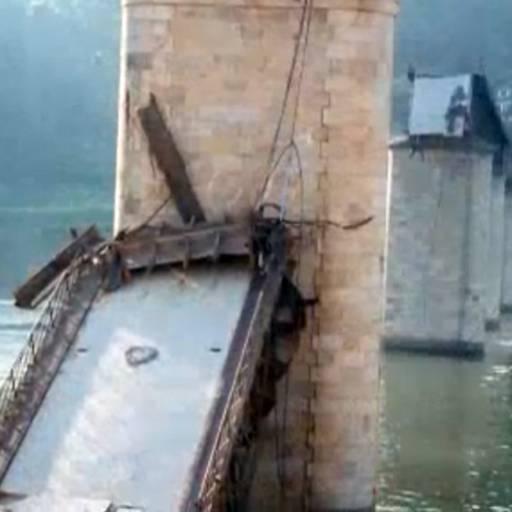 Caiu a ponte Hintze Ribeiro em Castelo de Paiva