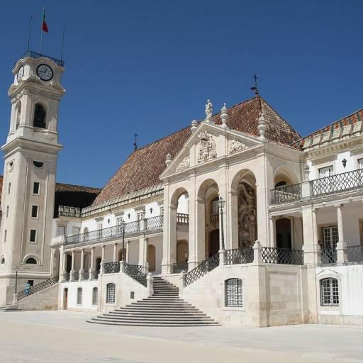 D. Dinis assinou o documento Scientiae thesaurus mirabilis, que cria a Universidade de Coimbra
