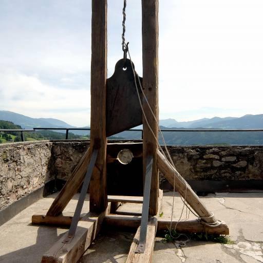 A guilhotina foi utilizada pela primeira vez durante a Revolução Francesa