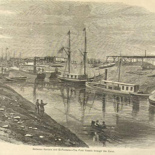 O primeiro navio atravessou o Canal de Suez