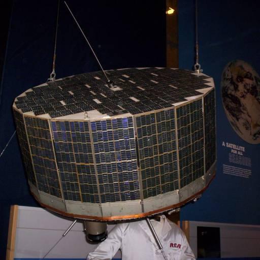 Foi lançado o primeiro satélite meteorológico, Tiros I