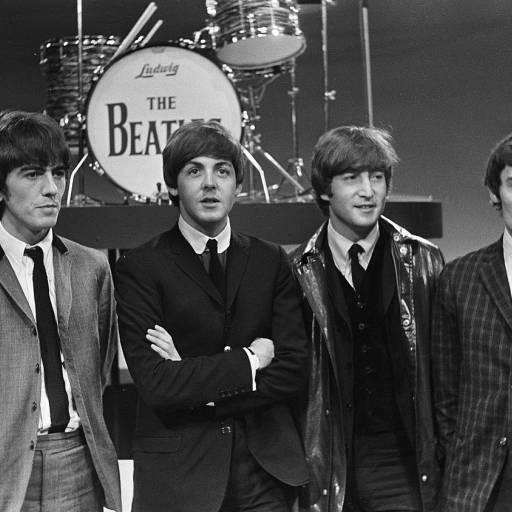 Paul McCartney anuncia o fim dos Beatles