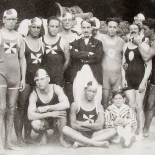 Organizou-se a primeira prova de natação em Portugal