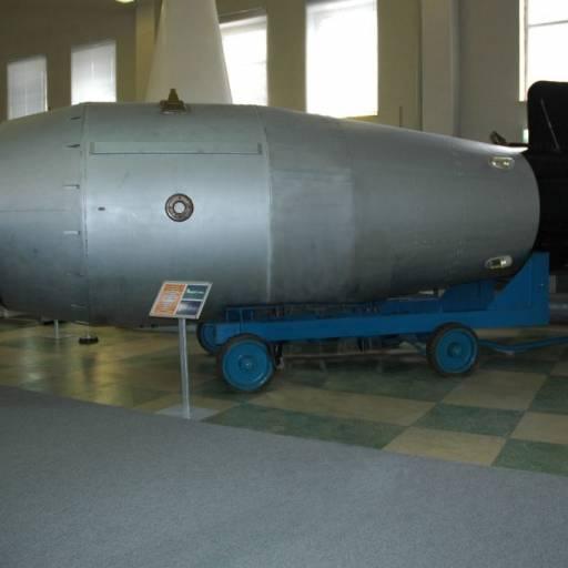 A URSS detonou a maior bomba nuclear da história