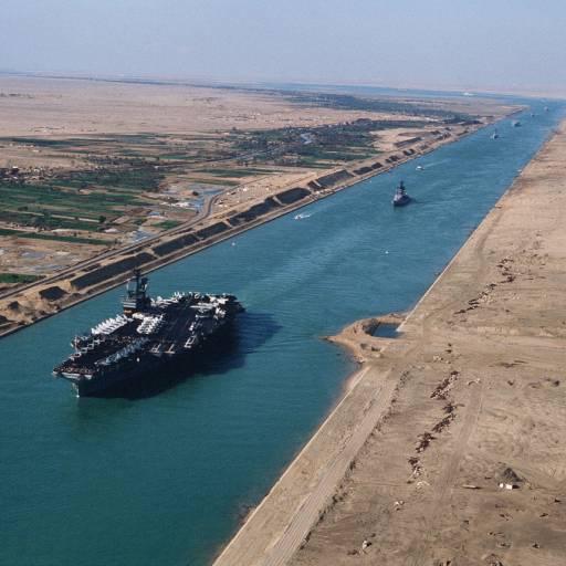 Foi inaugurado o Canal de Suez
