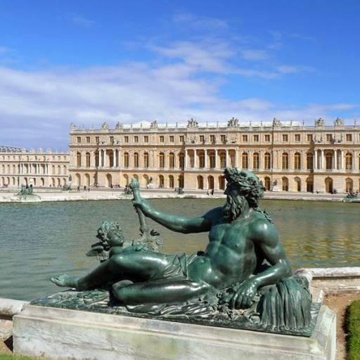 Foi inaugurado o Palácio de Versailles