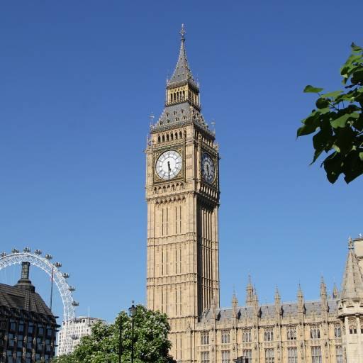 O Big Ben tocou pela primeira vez