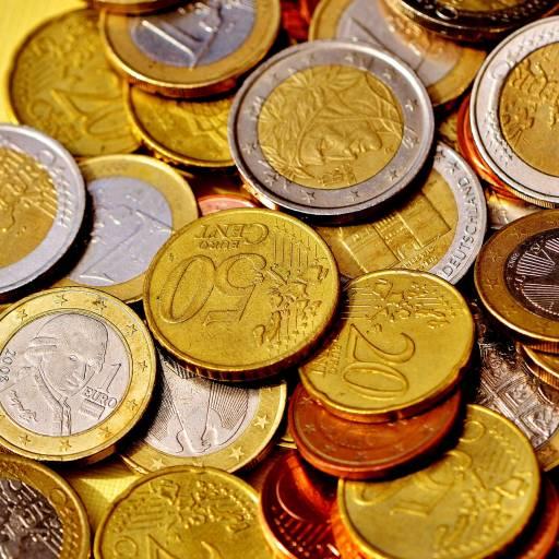 Foi fixado em Decreto o primeiro salário mínimo em Portugal