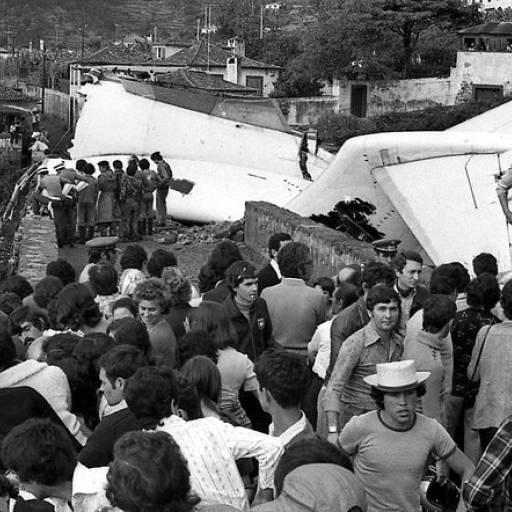 O Voo TAP Portugal 425 falhou a aterragem e despenha-se no Aeroporto do Funchal