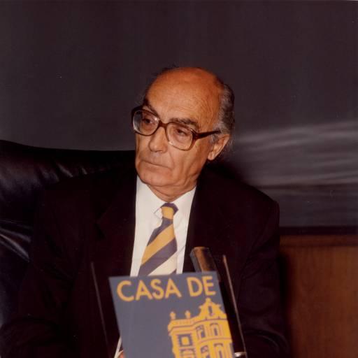 José Saramago recebeu o Prémio Nobel da Literatura