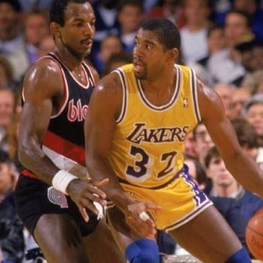 Nasceu o basquetebolista Magic Johnson