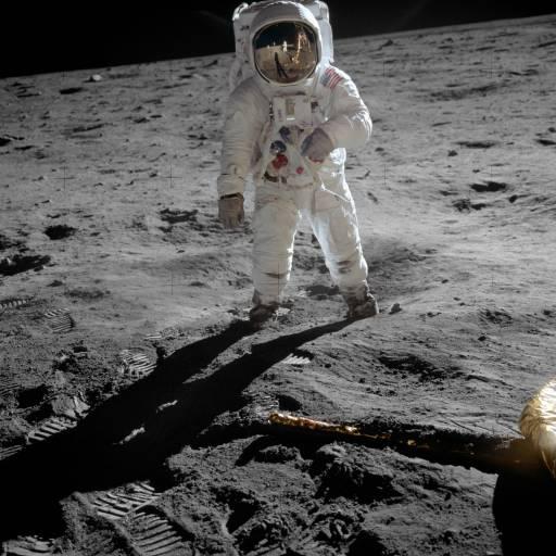 O homem pisou pela primeira vez a Lua