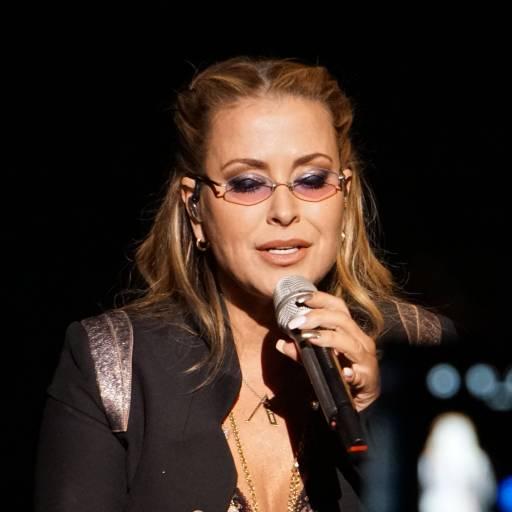 Nasceu a cantora e compositora Anastacia