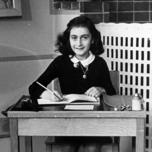 Oficiais nazis prenderam Anne Frank e a sua família