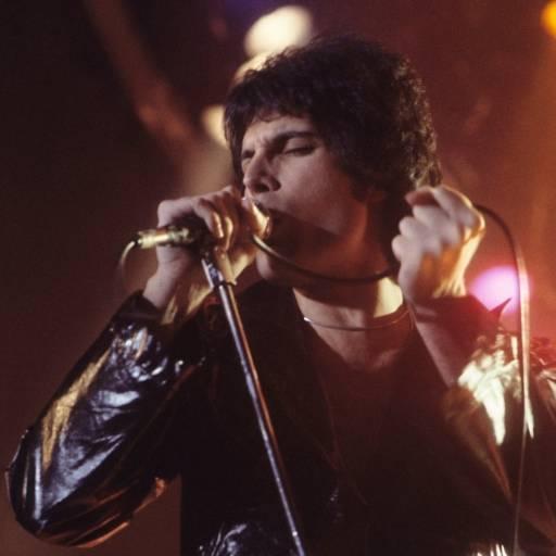 Nasceu o cantor Freddie Mercury