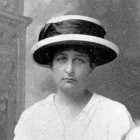 Nasceu a rainha D. Maria Pia de Bourbon