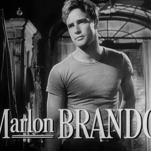 O actor Marlon Brando estreou nos palcos