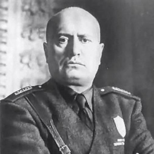 O ditador Benito Mussolini foi preso