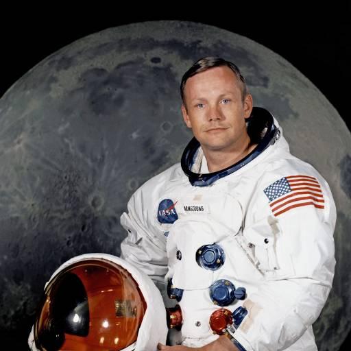 Nasceu o astronauta Neil Armstrong