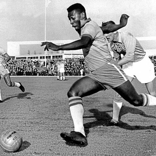 Pelé jogou o seu último jogo como jogador profissional
