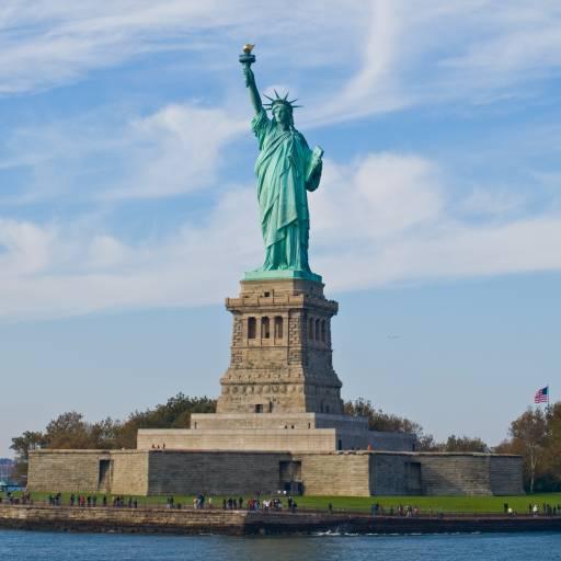A Estátua da Liberdade foi inaugurada