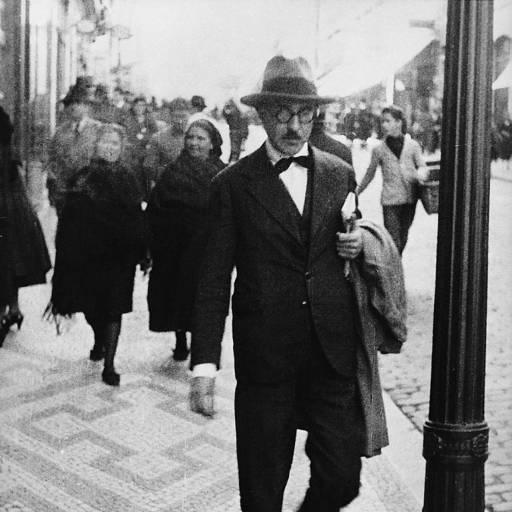 Nasceu o poeta Fernando Pessoa