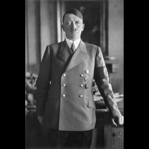 O austríaco Adolf Hitler tornou-se um cidadão alemão