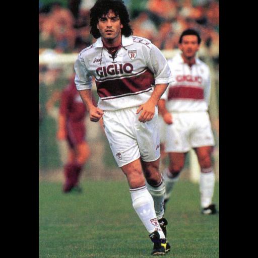 Nasceu o ex-jogador Paulo Futre