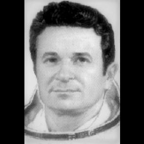O astronauta soviético Kizim permaneceu 364 dias no espaço e estabeleceu novo recorde de permanência no espaço
